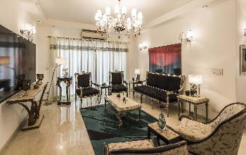 5 BHK Apartment in Ambience Caitriona For Sale